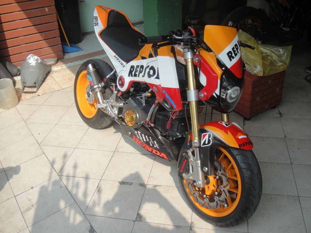 brand new streetfighter body cowl 100  painted  dupont