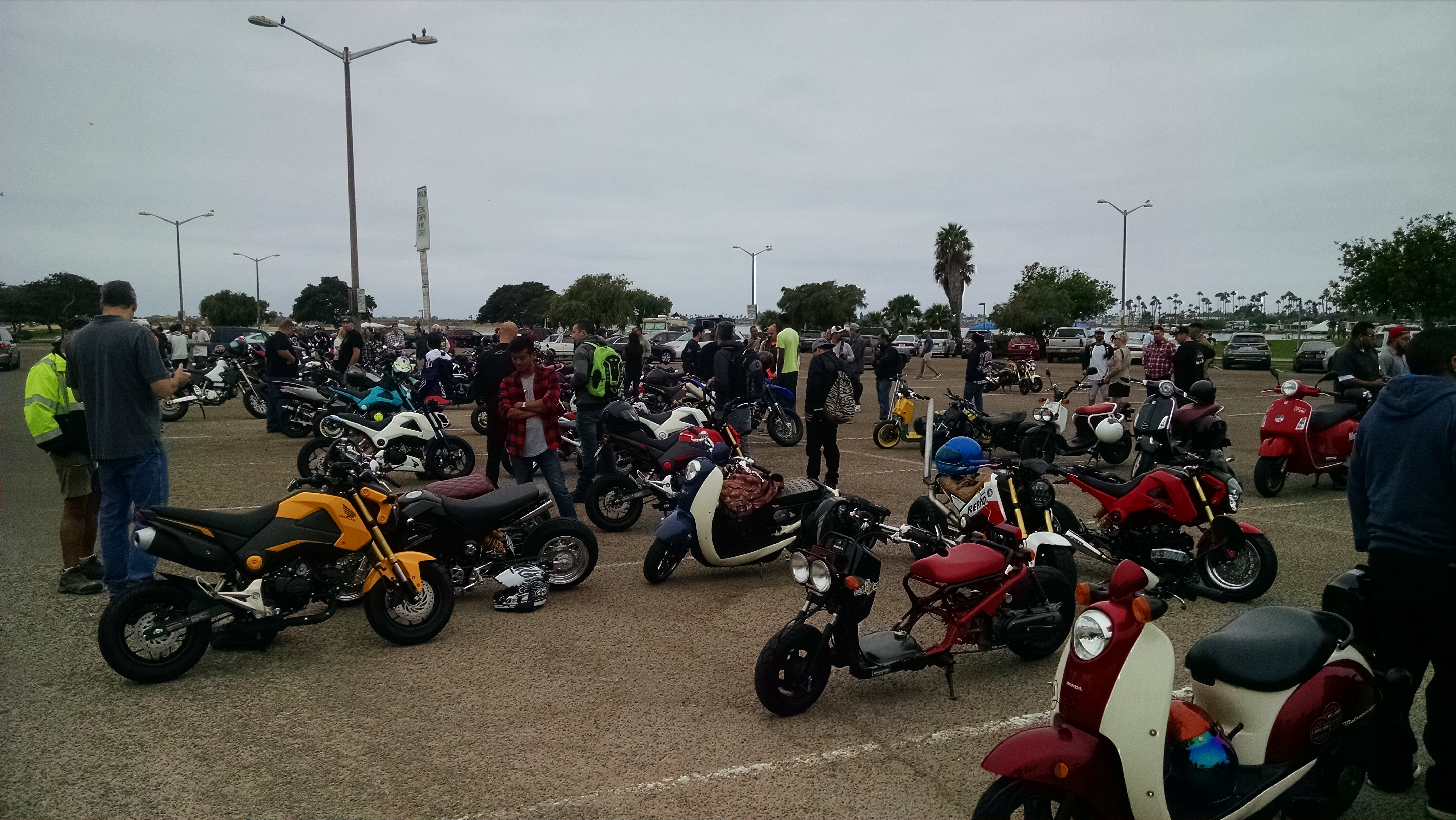 Went to a scooter/Grom Rally last Saturday called RiderzBlok-img_20160827_092749182.jpg