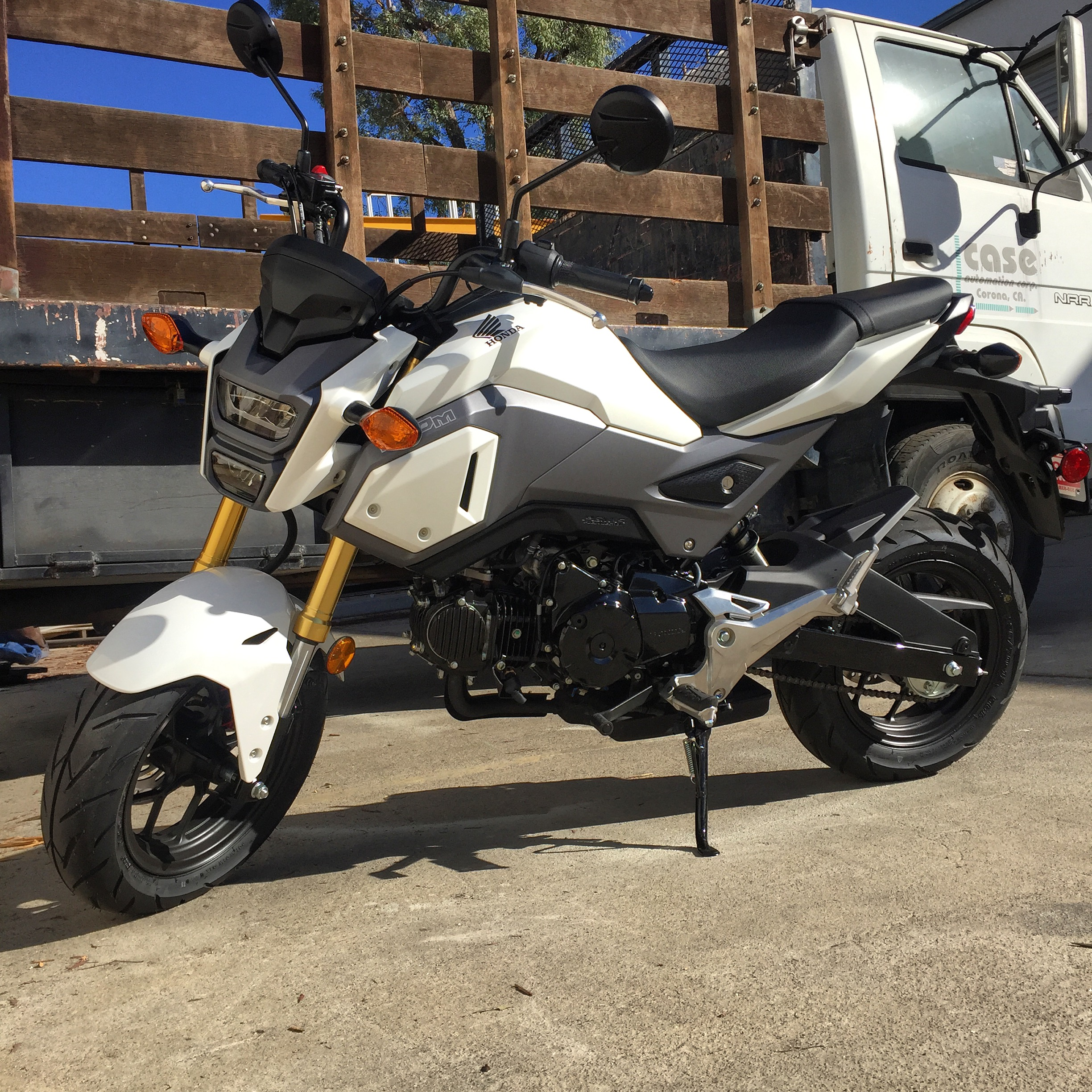 2017: Pearl White 2017 Grom