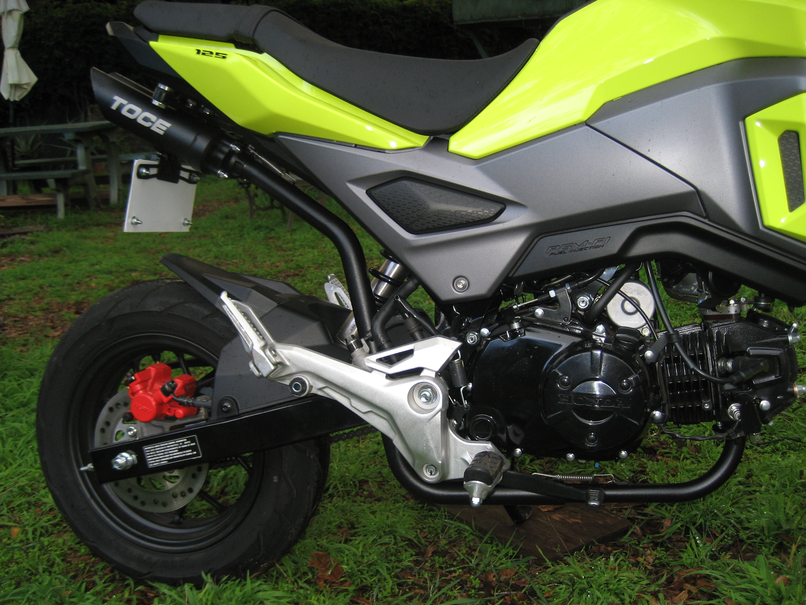 tooter's grom-ow3f3io.jpg