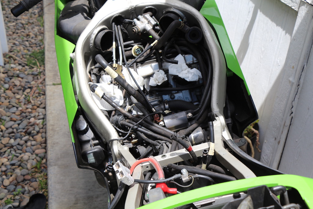Decided to do some work on my 99 ZX6r, clean carbs, change spark plugs-pictures-plug-holes-label-hose.jpg